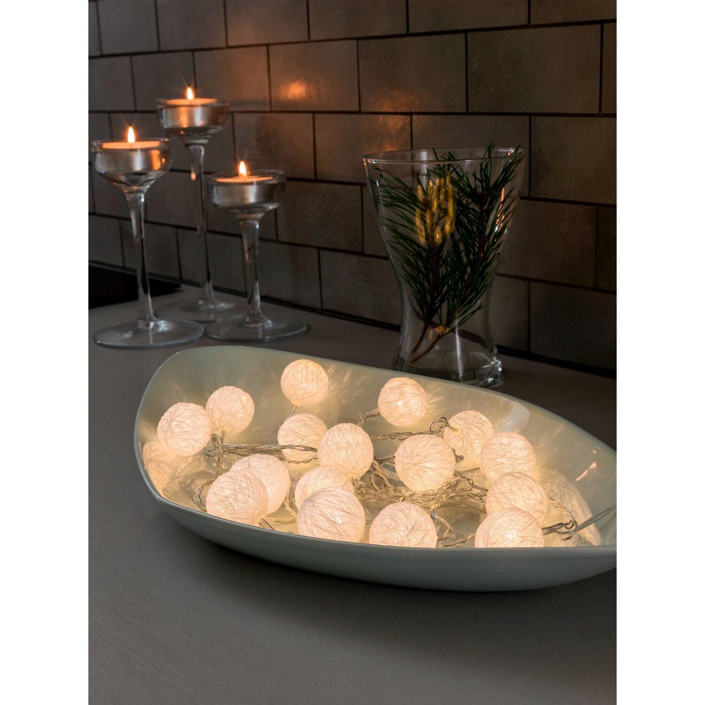 konstsmide led lichterkette wei e baumwollkugeln 16 dioden kaufen bei obi. Black Bedroom Furniture Sets. Home Design Ideas