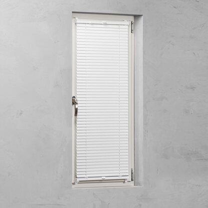 cocoon alu jalousie verspannt 25 mm wei 100 cm x 130 cm kaufen bei obi. Black Bedroom Furniture Sets. Home Design Ideas